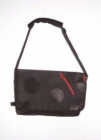 Pandani メッセンジャーバッグ(ブラック/ブラック水玉)