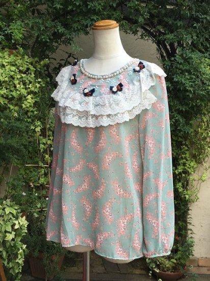 フリルトップス 花りぼんのかわいい服 緑 刺繍可