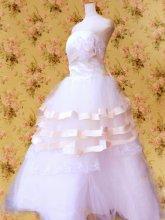 フリルドレス:フリルフレアープリンセスドレス胸元コサージュ付き 白フリーサイズ