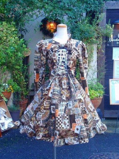 フリルワンピース カジノトランプの姫袖リボン編み上げ ブラウン