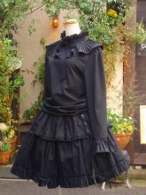 フリルブラウス プリーツフリルのリボンラッピング風姫袖 黒