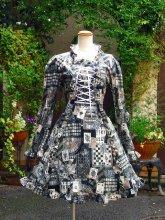 フリルワンピース:ラッキートランプの姫袖リボン編み上げフリルワンピース グレー