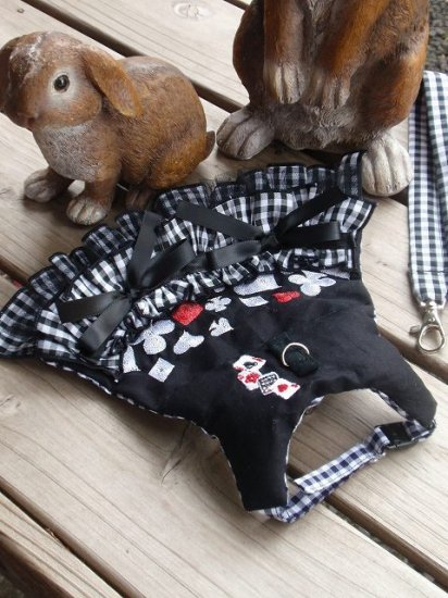 うさぎハーネス 刺繍トランプフリルハーネス 黒(リード付き) Sサイズ