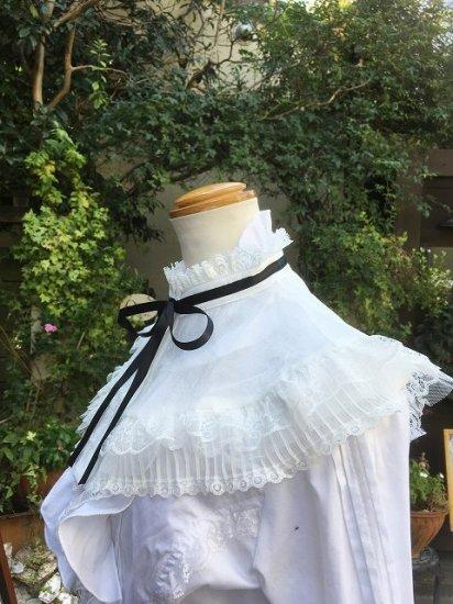 フリル付け襟:チュールとレースの立ち襟ホワイト付け襟 黒リボン仕様