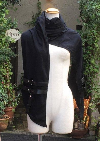 超ボリュームロングのゴシックゴーストストール フード&ベルト装飾付き