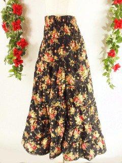 フリルティアードロングスカート 黒バラ柄フリーサイズ