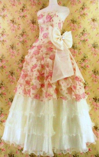 フリルプリンセスドレス裾3段ティアードフリルぼかし薔薇柄大きなリボン付girlstyle 白フリーサイズ