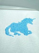 刺繍ユニコーンモチーフ