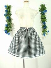 ギンガムチェックのフリルストロベリースカート