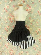 フリルスカート:アシンメトリーフリルのゴシックコルセットスカート 黒白