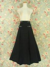 ゴシック淑女のプリーツロングスカート
