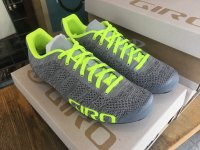 <img class='new_mark_img1' src='https://img.shop-pro.jp/img/new/icons22.gif' style='border:none;display:inline;margin:0px;padding:0px;width:auto;' />【40% OFF】GIRO * EMPIRE E70 Knit * Gry/HiYel【2018】