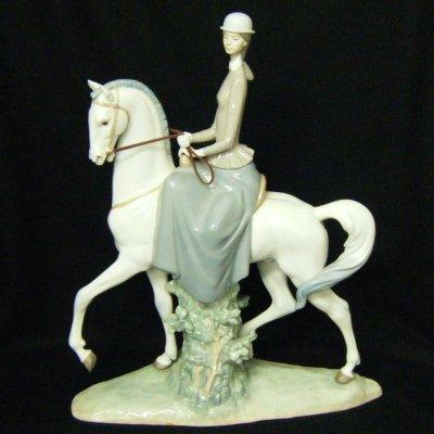 リヤドロ 白い馬の少女 高さ45cm