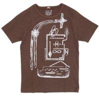 GO HEMP(ゴーヘンプ) ある村の話 S/SL TEE by BeBe (コーヒーブラウン)(ベーシック ショートスリーブ TEE)(Tシャツ)