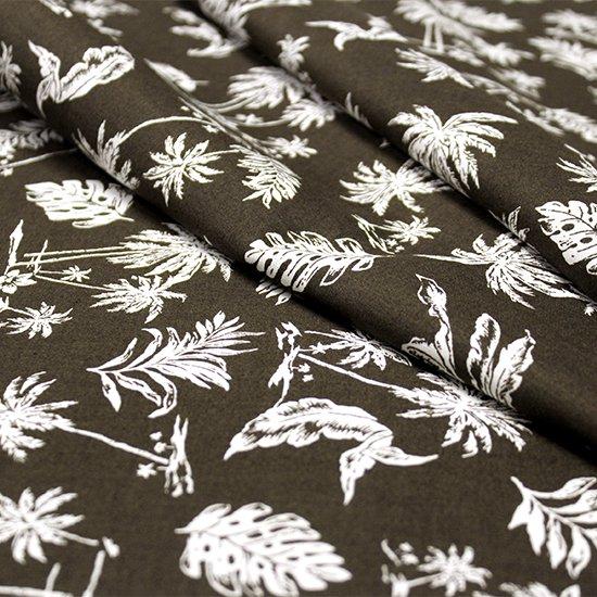 【綿100%・コットン】 こげ茶色の綿生地 白のハワイアンリーフ柄 fab-ct012BR【4yまでメール便可】
