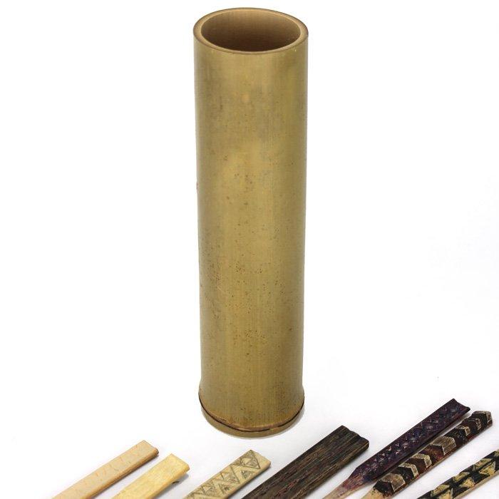 オールロ (オヘカパラを入れる竹筒 'Olulo) 高さ約30センチ、内径約7センチ 【ヤシ紐なし】