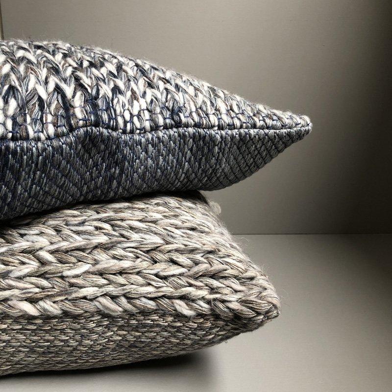 Nell 手織りクッション