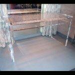 <b>【NYデザイナーズ家具】</b>アクリル家具 デスク (W137×H76cm)