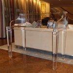 <b>【NYデザイナーズ家具】</b>アクリル家具 ライティングデスク (W122×H104cm)