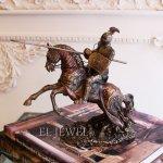 <b></b>アンティーク調 騎士と馬のオブジェ(H22cm)