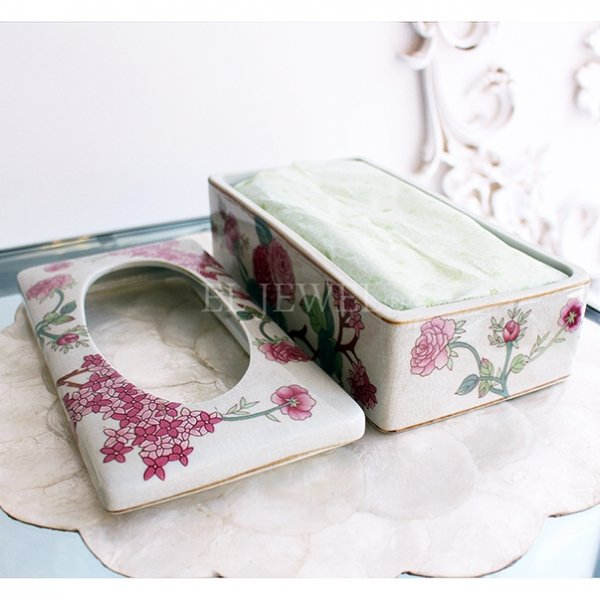 【Q&Q-スペイン】陶器製ティッシュボックス「フラワー」