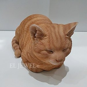 <b>【即納可!】</b>アニマルオブジェ♪香箱ねこ・茶トラ(W34.5×D19×H17cm)<img class='new_mark_img2' src='//img.shop-pro.jp/img/new/icons1.gif' style='border:none;display:inline;margin:0px;padding:0px;width:auto;' />