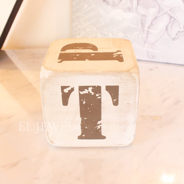【即納可!】 木製サイコロ・ホワイトS・アルファベット(P/Q/R/S/T/.)