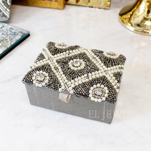 【即納可!】ビーズ刺繍ミニジュエリーボックス・シルバー(11×8×5cm)