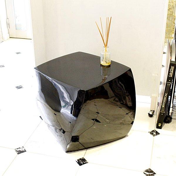 【完売】【展示品1台のみ】【64%OFF】デザインサイドテーブル ブラック(約W55×H45cm)