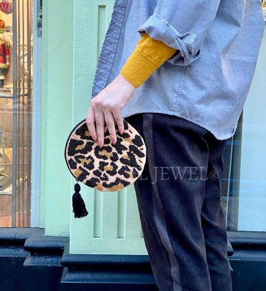 【即納可!】ビーズ刺繍ラウンドポーチ・レオパード(16cm)