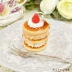 <b>【即納可!】</b>ギフトボックス入り♪ ドルチェキャンドル「パンケーキ」φ5.6×H8cm<img class='new_mark_img2' src='//img.shop-pro.jp/img/new/icons24.gif' style='border:none;display:inline;margin:0px;padding:0px;width:auto;' />