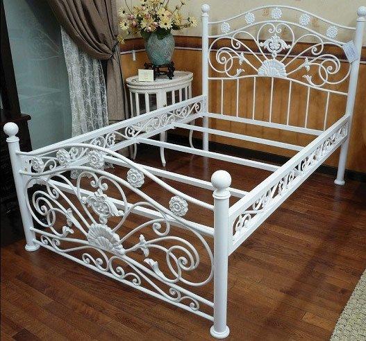 【ワケ有セール!】ロマンティックな白家具-アイアン製・プリンセスベッド(W1300)