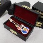 <b>【即納可!】</b>本物そっくり♪ ミニチュアピンバッジ 「エレキギター・USA」 (W4×D1.5×H10cm)