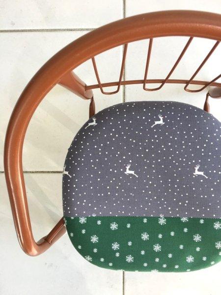 「雪のトナカイ」豆椅子