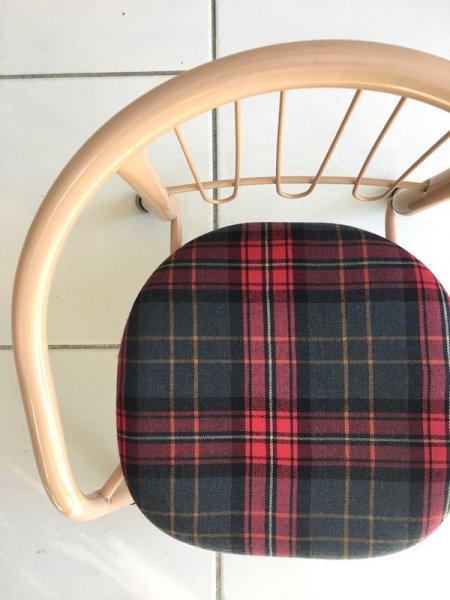 「タータンレッド」豆椅子