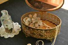 アンティーク ジュエリー ボックス(宝石箱) スモークガラス蓋 アメリカ