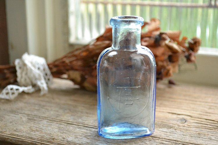 きれいなブルーの薬瓶/アンティークボトル BISHOP'S VARALETTES