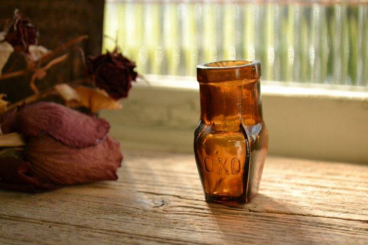 オクソ/oxo アンティーク瓶 サンプルサイズ エンボス入り ミニボトル
