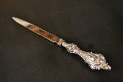 送料無料!豪華な装飾のアンティークシルバーのペーパーナイフ/レターオープナー イギリス スターリングシルバー(925 純銀) バーミンガム 1900年