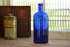 コバルトブルーのアンティークボトル 綺麗なブルー/薬瓶/ポイズンボトル/NOT TO BE TAKEN お店づくり、お部屋づくりに