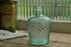 薄いブルーが綺麗なアンティーク薬瓶 リゾール アンティークボトル