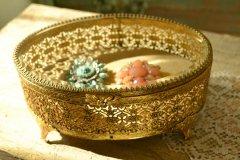 アンティーク ジュエリーケース/ジュエリーボックス 宝石箱 アクセサリーケース 小物入れ 真鍮製とガラス蓋 送料無料