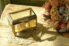 アンティーク ジュエリーケース/ジュエリーボックス 宝石箱 アクセサリーケース 金メッキとガラス蓋 小物入れ 送料無料