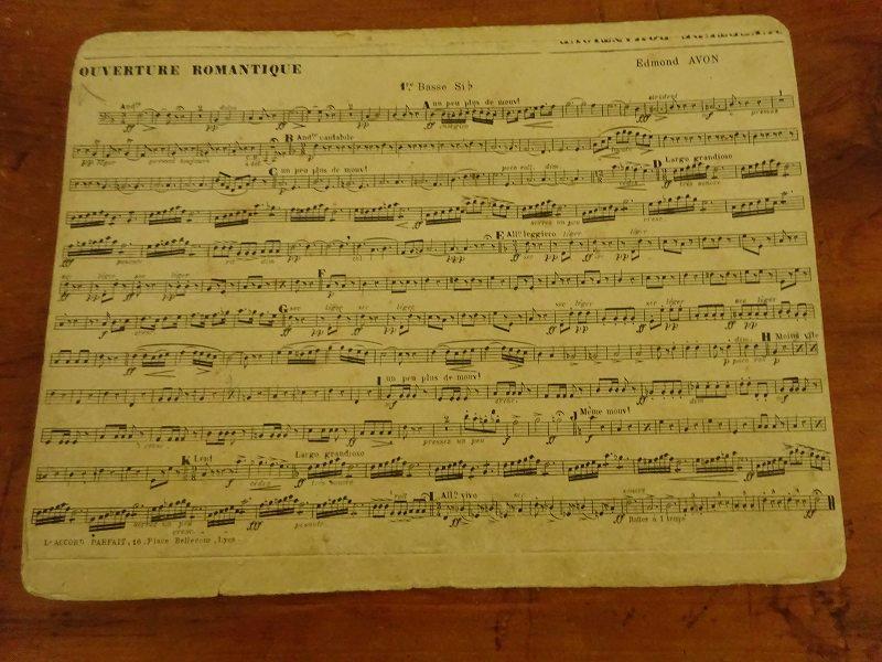 フランスの古い楽譜 3です。