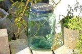 懐かしいガラスの味付海苔の瓶 気泡もあるレトロなガラス