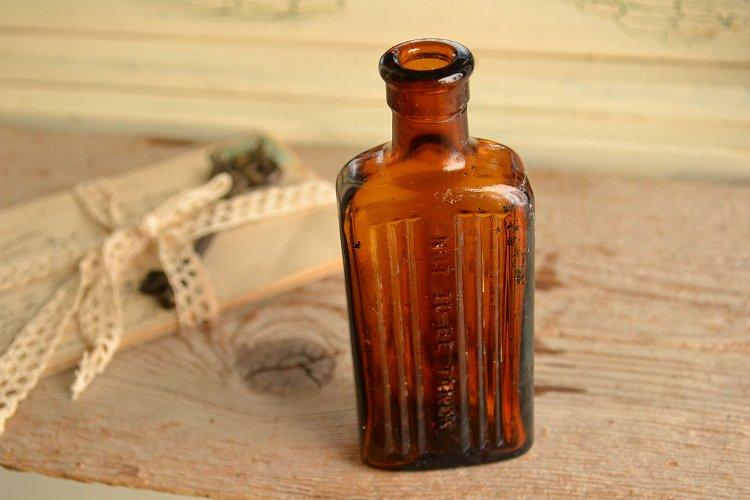 綺麗な琥珀色の薬瓶 ポイズンボトル NOT TO BE TAKEN 2oz お店づくり、お部屋づくりにピッタリです。
