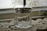 アンティークシルバーのキャップが付いたジャー スターリングシルバー・銀器(純銀 925)