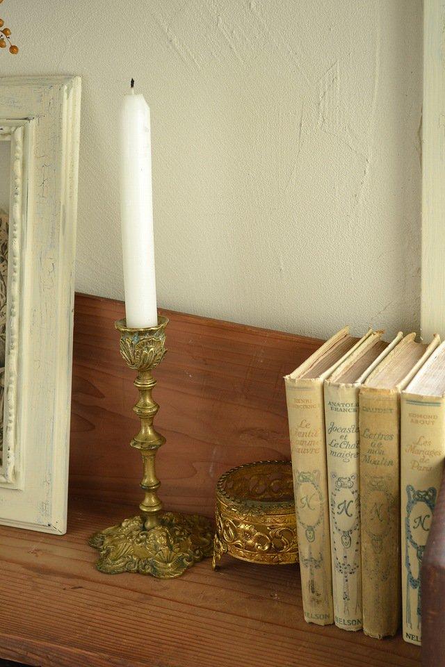 豪華な装飾のアンティークキャンドルスタンド/キャンドルホルダー/銅製/1800年代後期です。