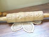 いろいろな模様が付いたアンティーク 木製ローリングピン(バター クッキー型)