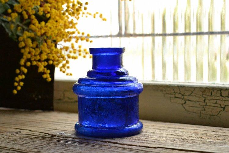 コバルトブルー ボトルのインクボトルです。
